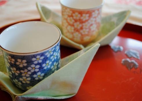 茶碗を乗せて