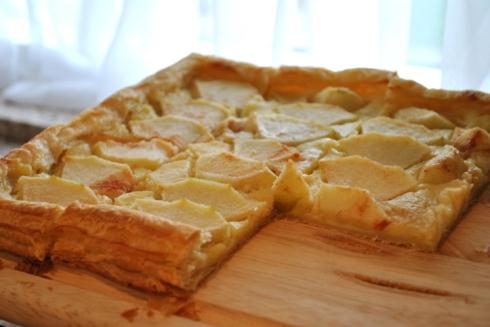 サツマイモクリームのりんごパイ