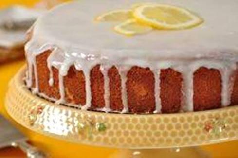 シュガーフロストをかけたレモンケーキ