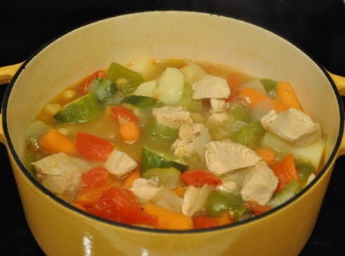 野菜を煮込んで