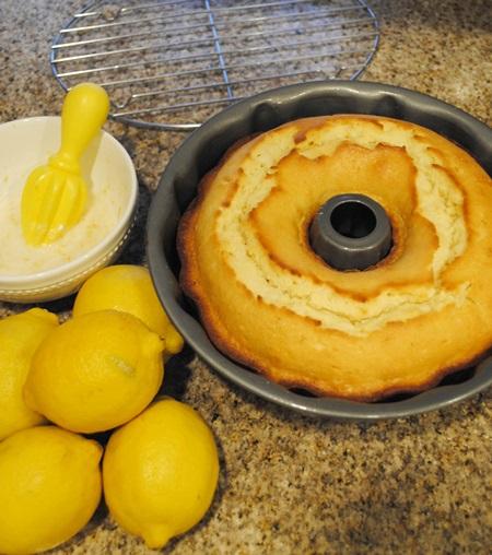 lemon sourcream pound cake (2)